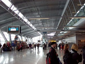 Eindhoven_Airport_Terminal.