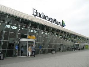 Vertrekhal_Eindhoven_Airport.